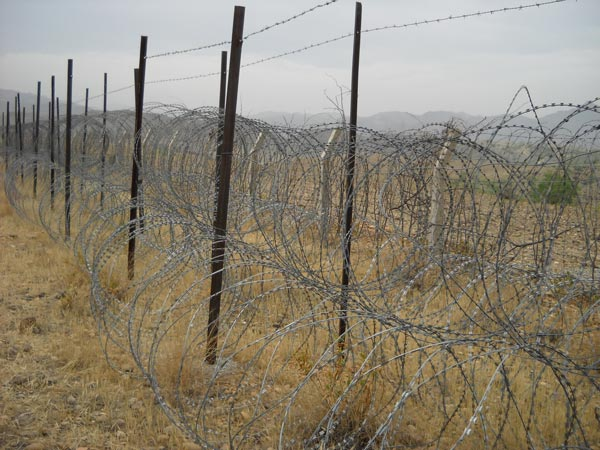 Fence and Razor Wire Solutions | Razor wire | Chain Link Fence ...